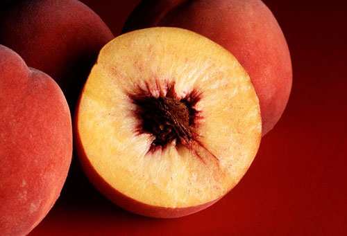 Whole and Half Peaches